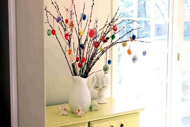 take a small tree own easter eggs 21 decorating ideas for easter 0 324
